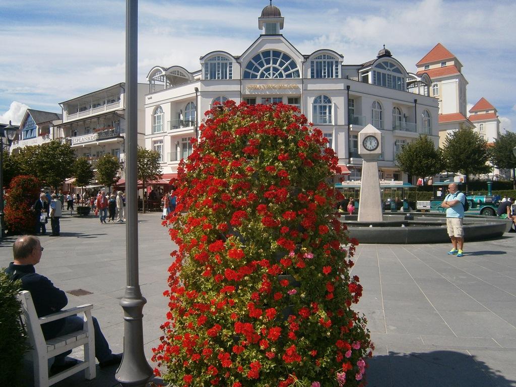 Ostseebad Binz - Der Wendeplatz am Ende der Hauptstraße