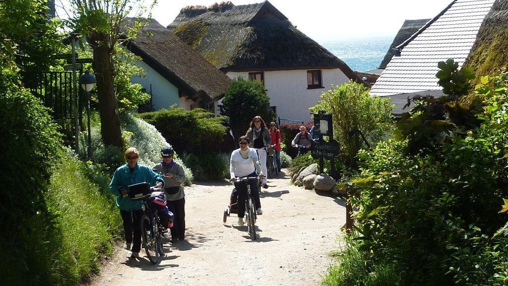 Insel Rügen - Urlaub im Ferienhaus, Ferienwohnung, Urlaub in Strandvillen in Binz und Sellin - und zum  Radfahren
