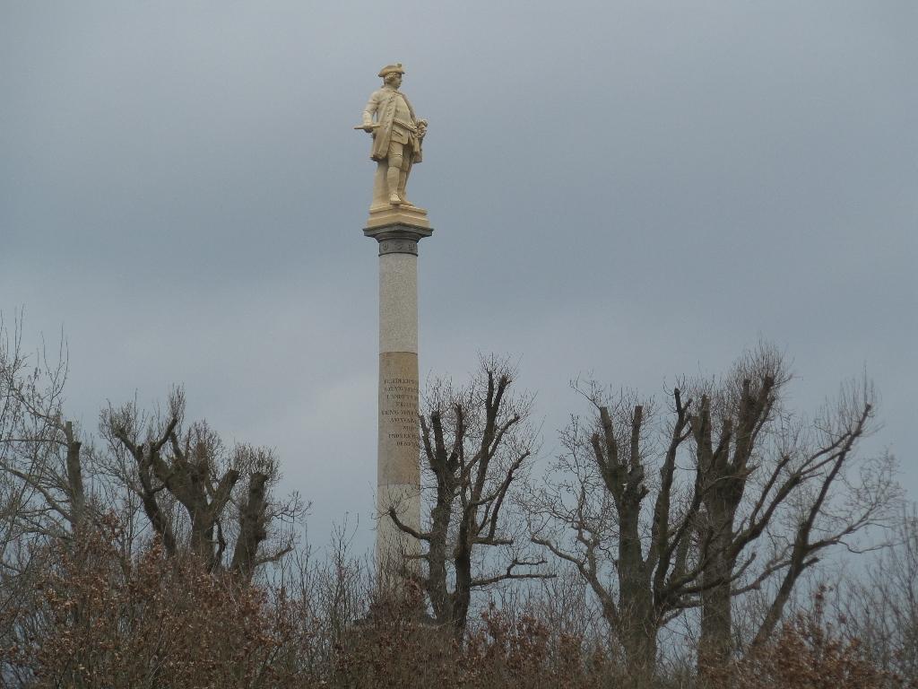 Gross Stresow - Die Preußensäule in Groß Stresow zur Erinnerung an die Landung der Preußen an dieser Stelle im Jahre 1715.