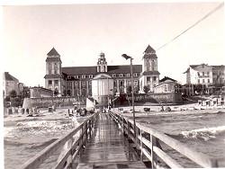 Insel Rügen - Urlaub im Ferienhaus, Ferienwohnung, Urlaub in Strandvillen in Binz und Sellin - Die Seebrücke in Binz im Jahre 1953