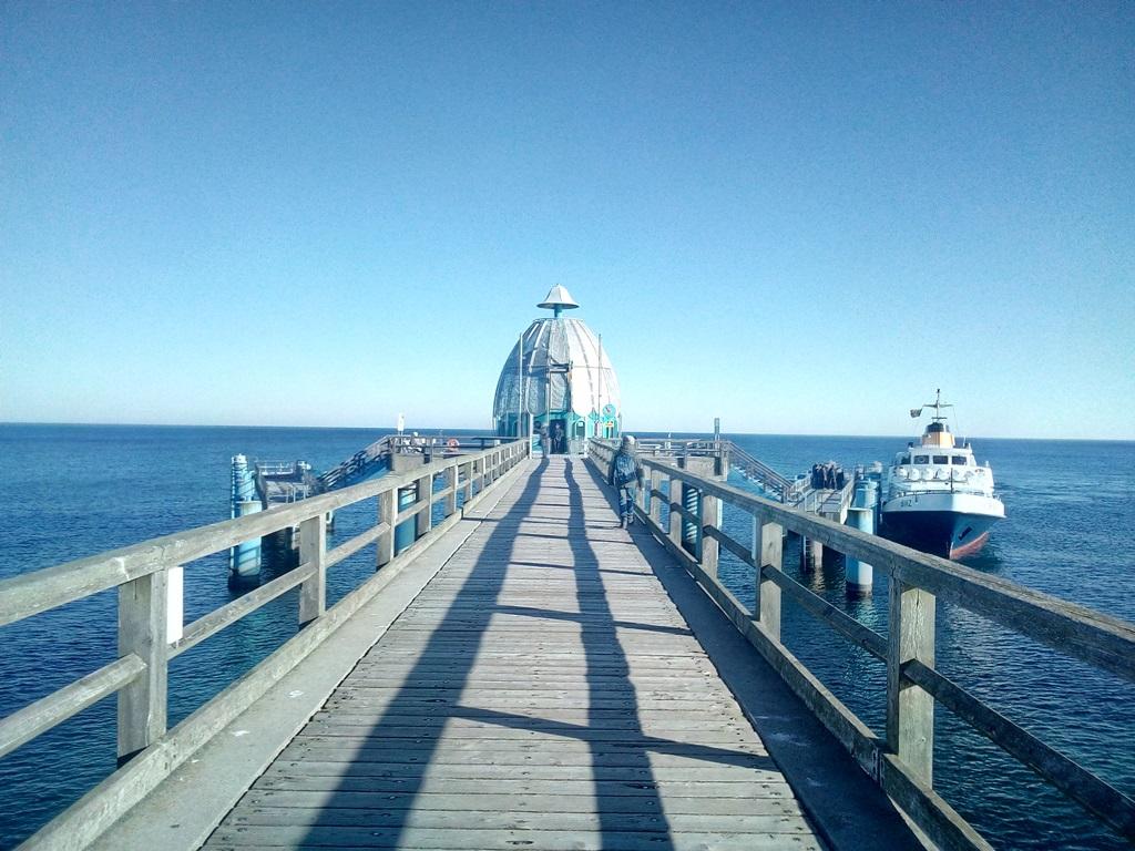 Sellin - Die Tauchgondel an der Seebrücke Sellin