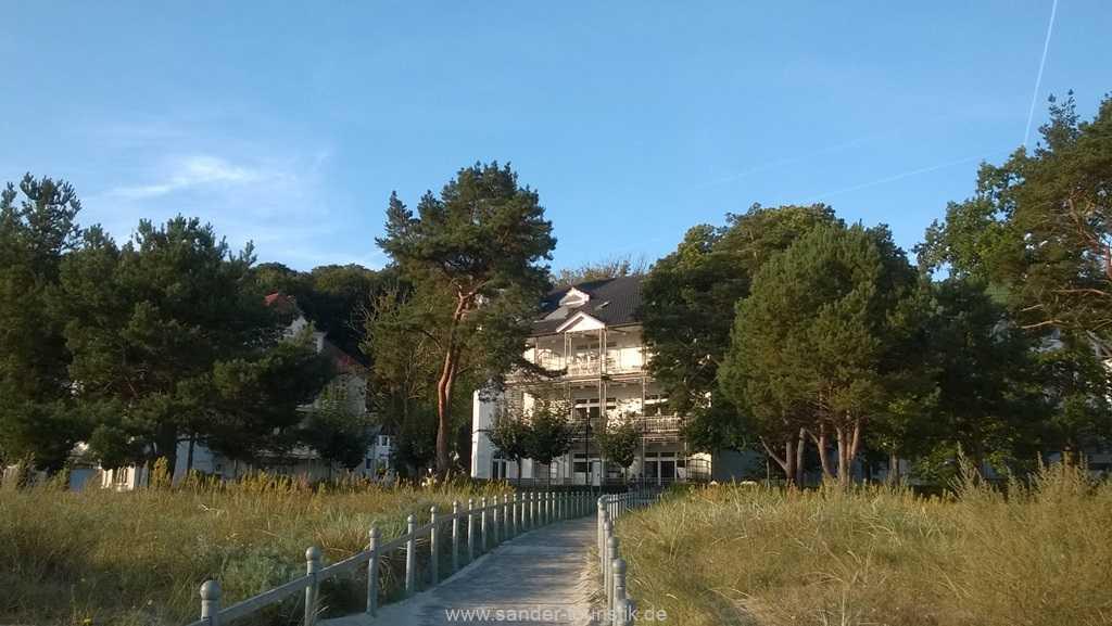 direkter Zugang vom Strand zur Villa Stranddistel- Binz