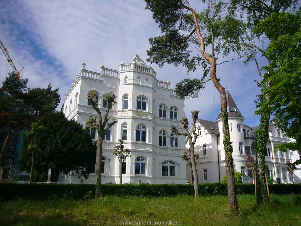 Blick auf die Villa Sirene in Binz