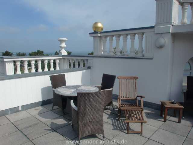 Dachterrasse mit Sitzgruppen in der Villa Sirene