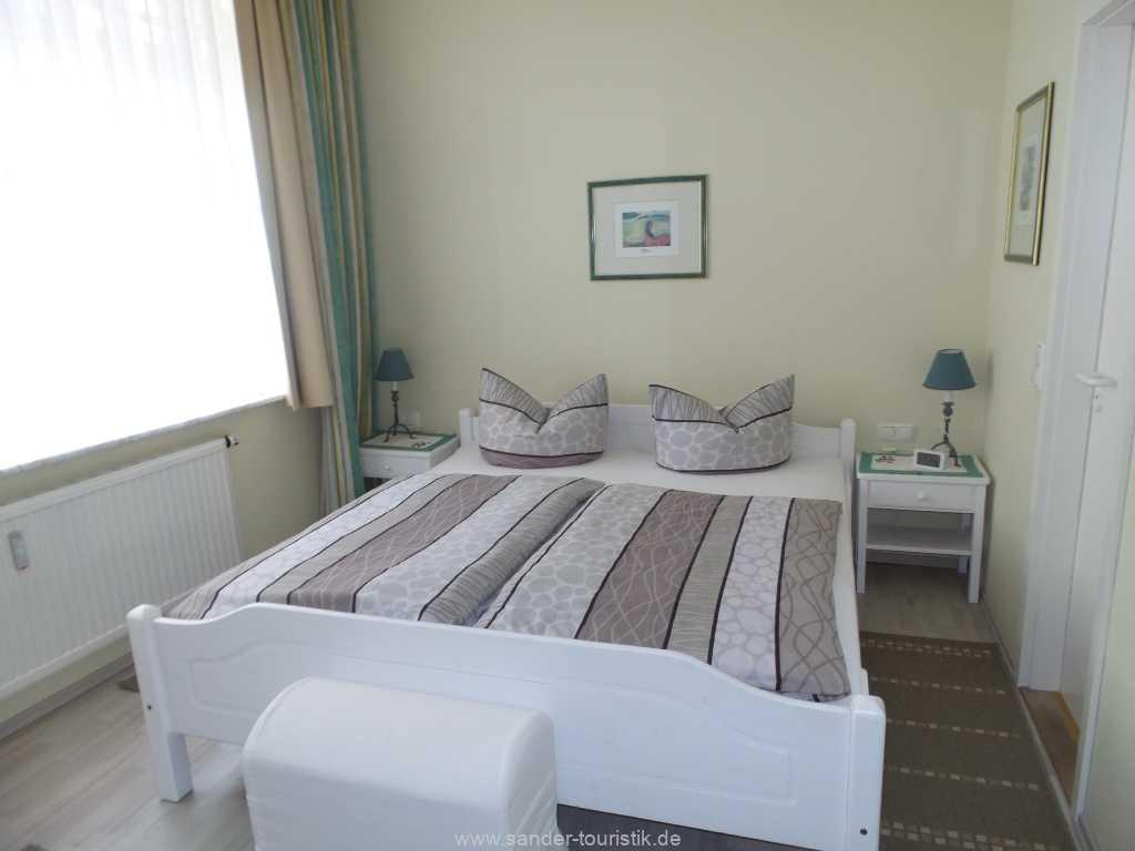 Doppelbett-Schlafzimmer in der Villa Sirene-Binz