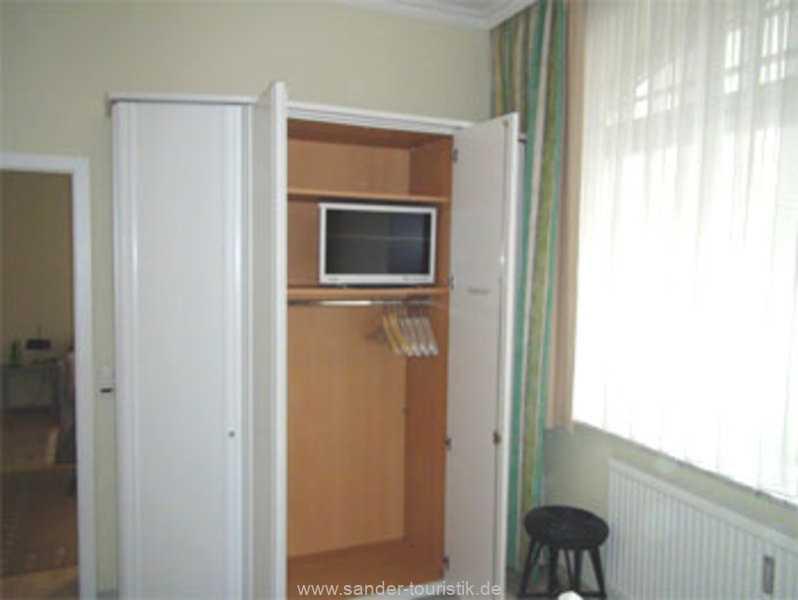 TV im Schlafzimmer - Villa Sirene in Binz