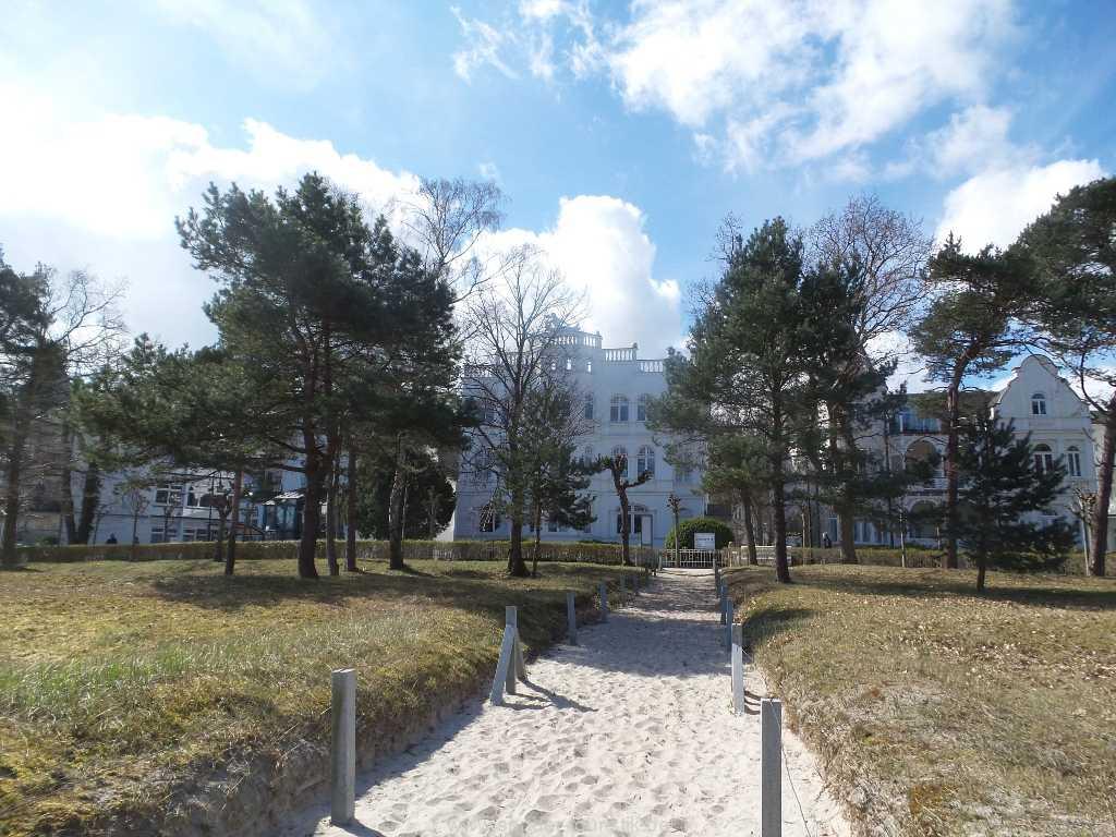 Blick auf die Villa Sirene im Ostseebad Binz