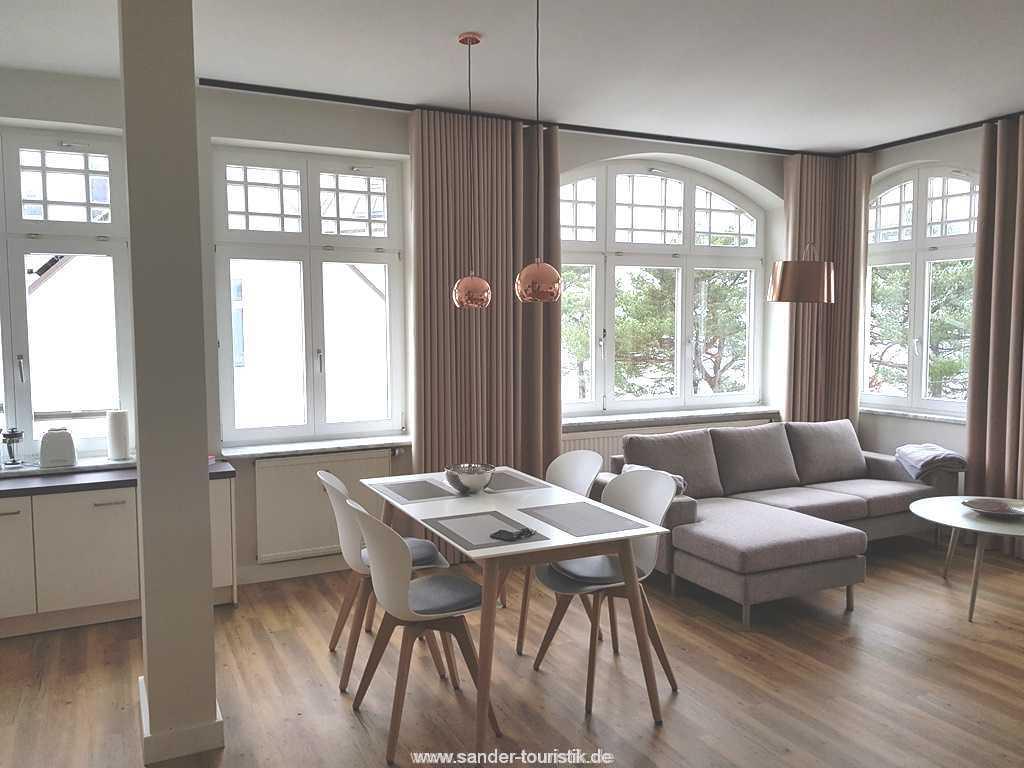 Gemütlicher Wohnbereich mit Flachbildschirm - Villa Sirene Binz