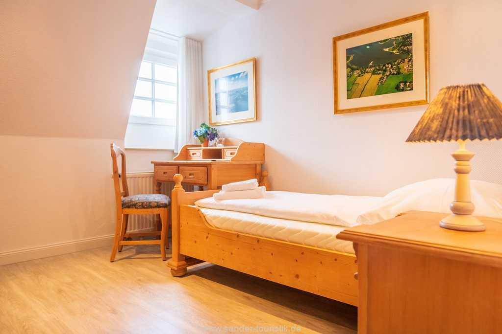 Foto der Wohnung RUG-10-016-31-villa-glueckspilz-binz-einzelbettzimmer.jpg
