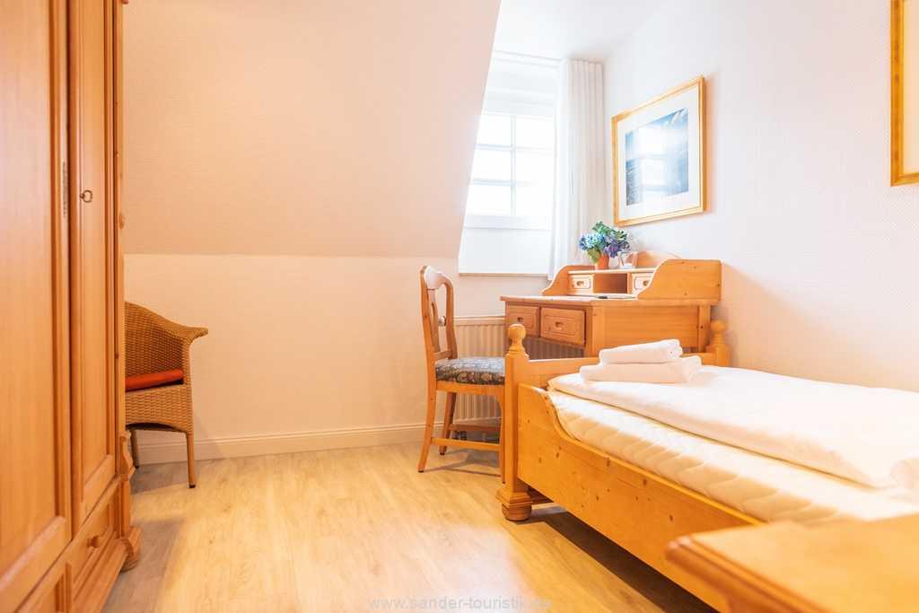 Foto der Wohnung RUG-10-016-31-villa-glueckspilz-binz-einzelbettzimmer1.jpg