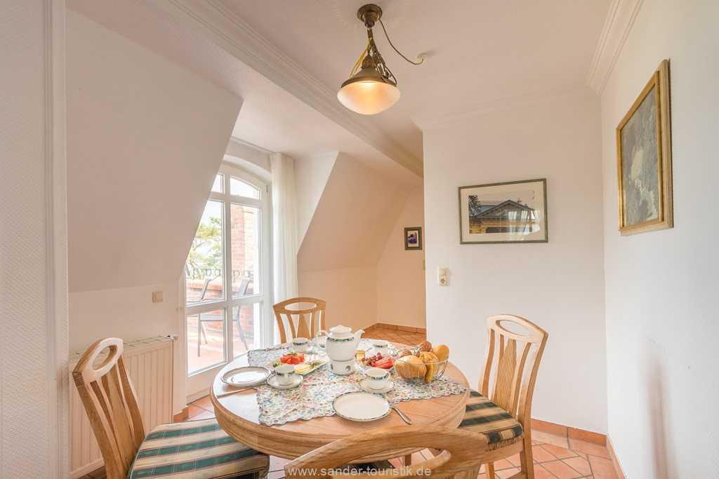 Foto der Wohnung RUG-10-016-31-villa-glueckspilz-binz-essbereich1.jpg