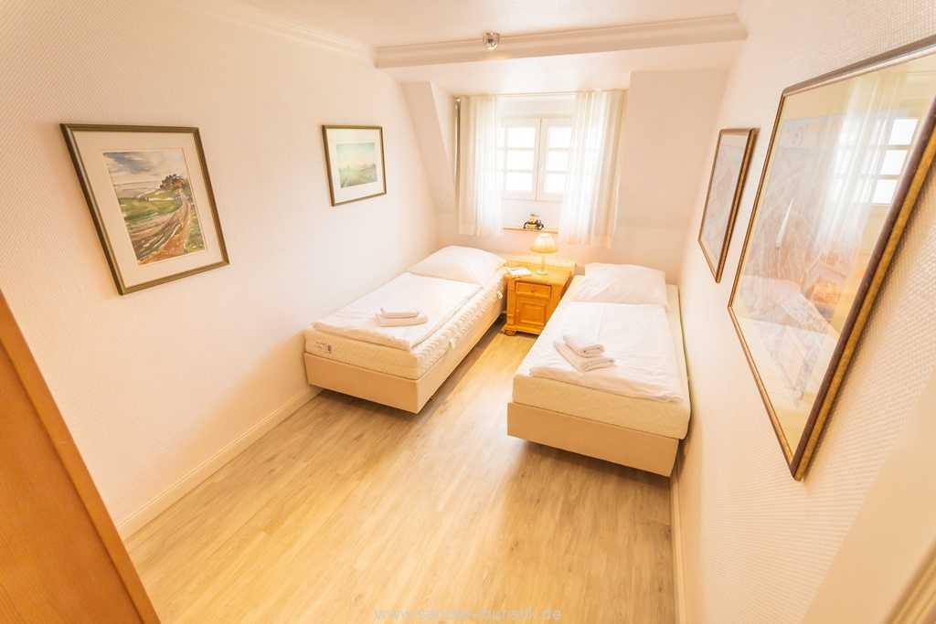 Foto der Wohnung RUG-10-016-31-villa-glueckspilz-binz-zweibettzimmer1.jpg