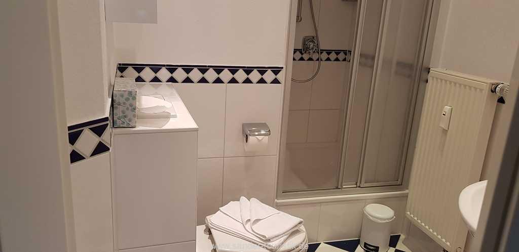 Foto der Wohnung RUG-10-017-03-villa-freia-binz-badezimmer1.jpg
