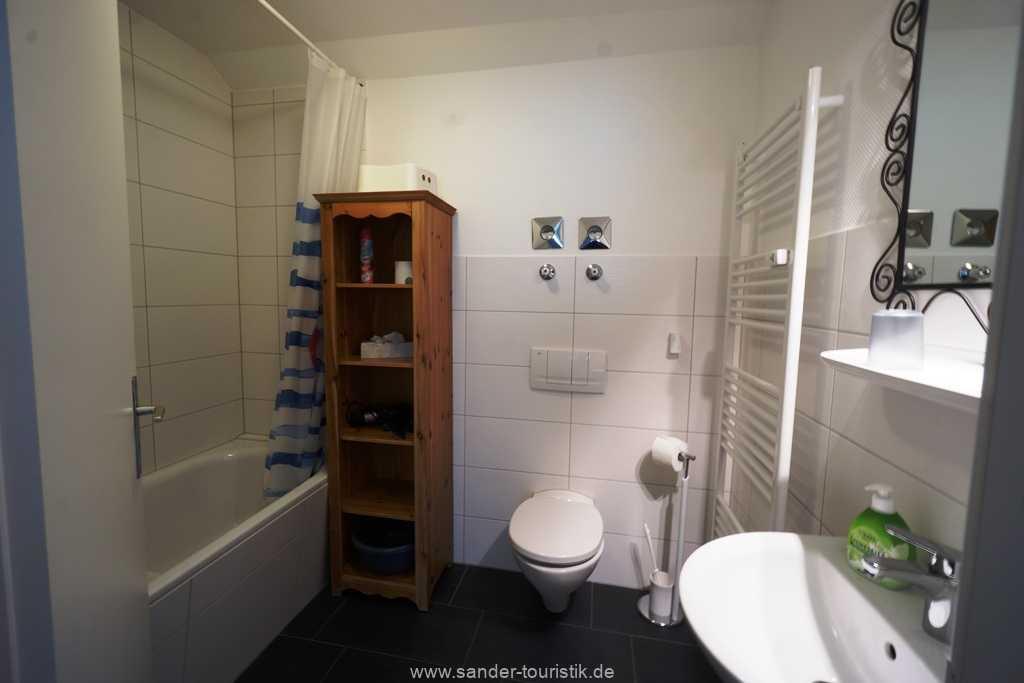 Foto der Wohnung RUG-10-021-01-villa-strandblick-binz-badezimmer.JPG