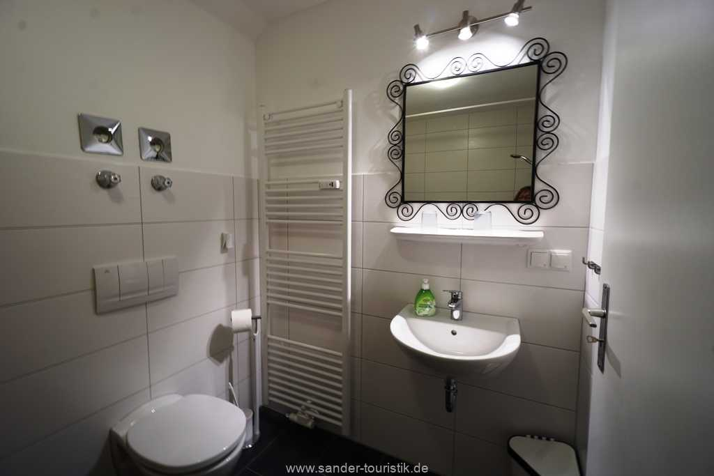 Foto der Wohnung RUG-10-021-01-villa-strandblick-binz-badezimmer2.JPG