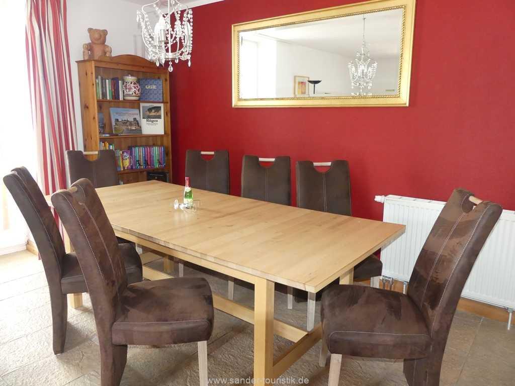Foto der Wohnung RUG-10-021-01-villa-strandblick-binz-essecke.JPG