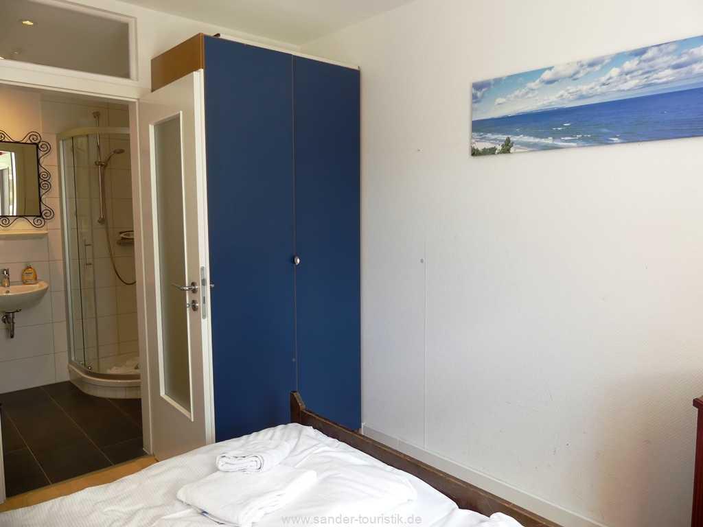 Foto der Wohnung RUG-10-021-01-villa-strandblick-binz-schlafzimmer2.JPG