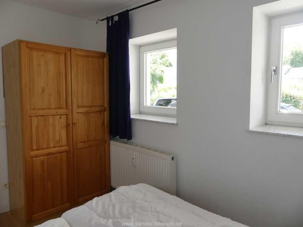 Foto der Wohnung RUG-10-021-01-villa-strandblick-binz-schlafzimmer6.JPG