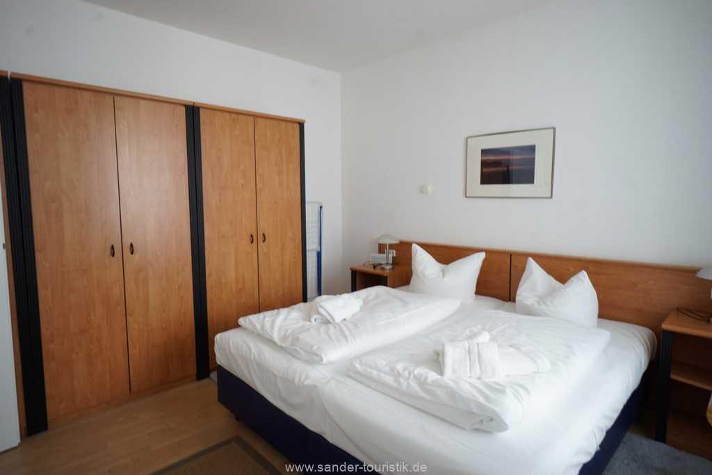 Foto der Wohnung RUG-10-021-06-villa-strandblick-binz-schlafzimmer1.jpg