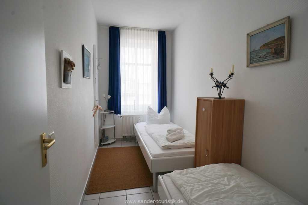 Foto der Wohnung RUG-10-021-06-villa-strandblick-binz-schlafzimmer2.jpg