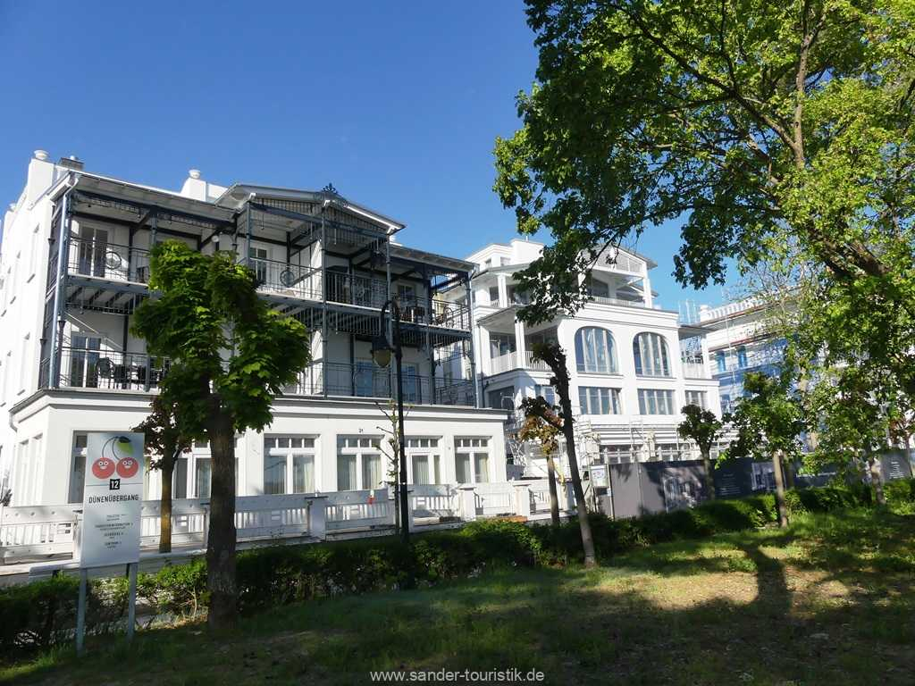Villa Strandblick Südseite, mit Balkon der Wohnung 7