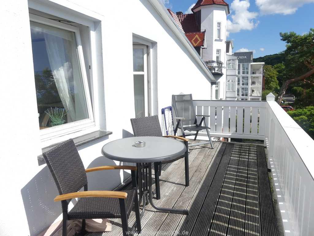 Foto der Wohnung RUG-10-021-07-villa-strandblick-binz-balkon.alt.jpg