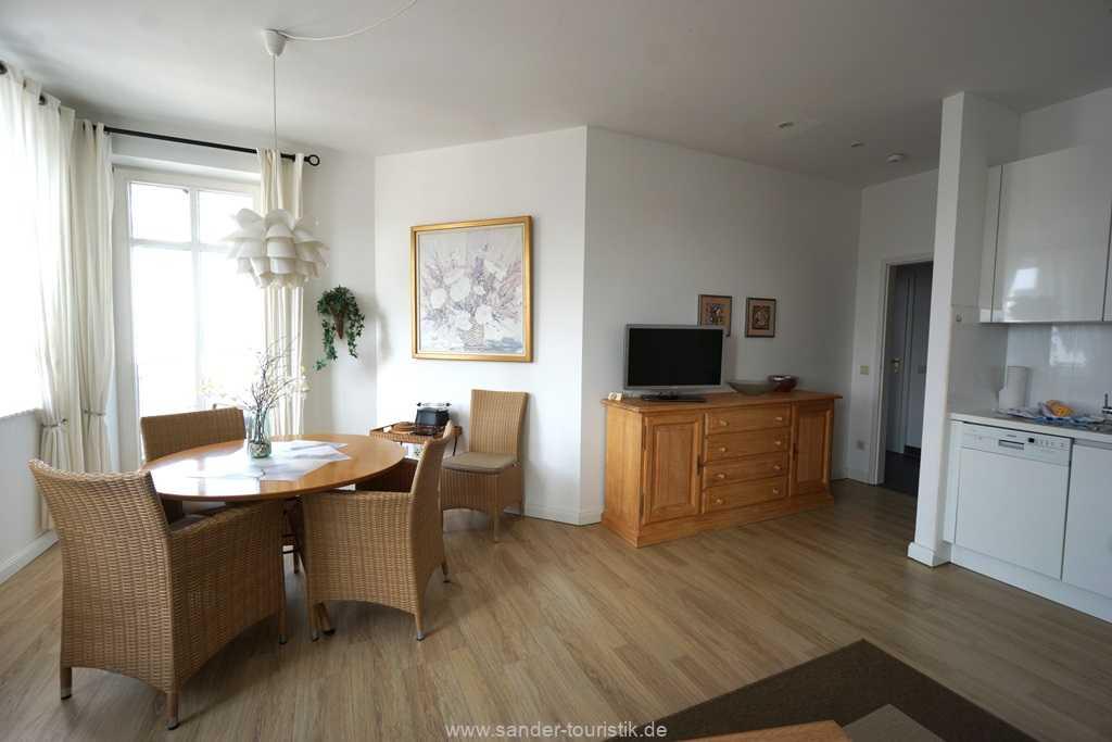 Foto der Wohnung RUG-10-021-08-villa-strandblick-binz-essecke1.jpg