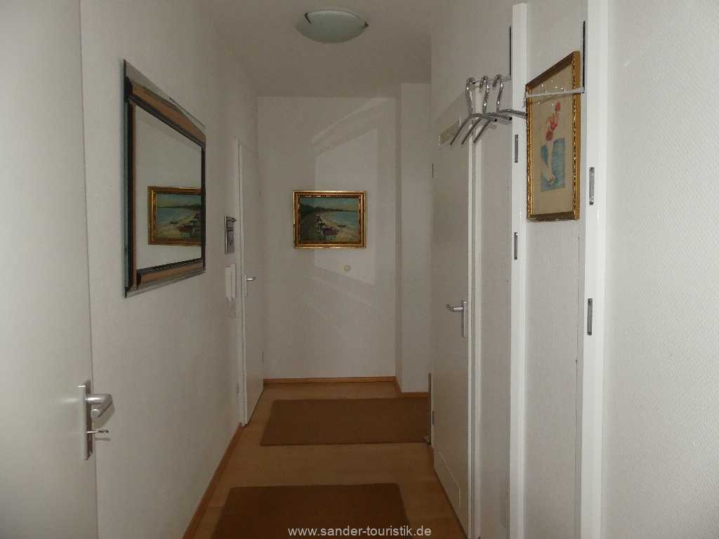 Foto der Wohnung RUG-10-021-09-villa-strandblick-binz-flur.jpg