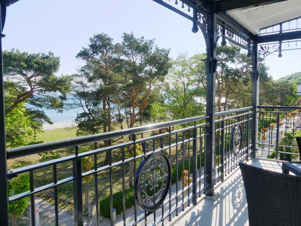Foto der Wohnung RUG-10-021-10-villa-strandblick-binz-balkon1-neu.jpg