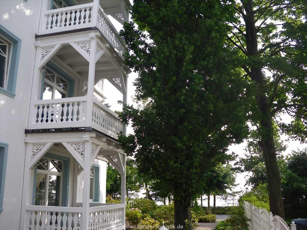 seitlicher Balkon mit Meerblick - Binz- Villa Strandburg