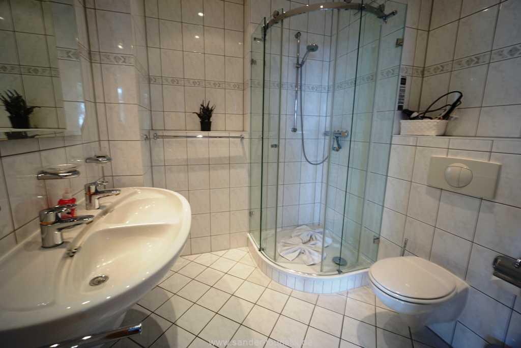 Foto der Wohnung RUG-10-036-08-villa-strandburg-binz-badezimmer.JPG