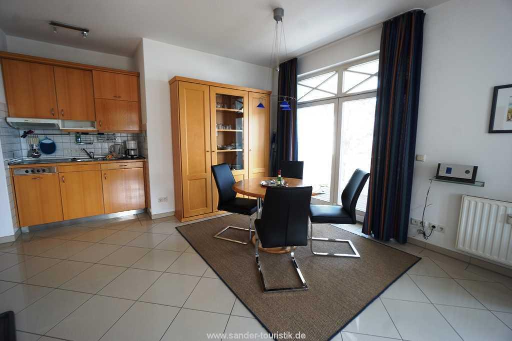 Foto der Wohnung RUG-10-036-08-villa-strandburg-binz-essecke.JPG