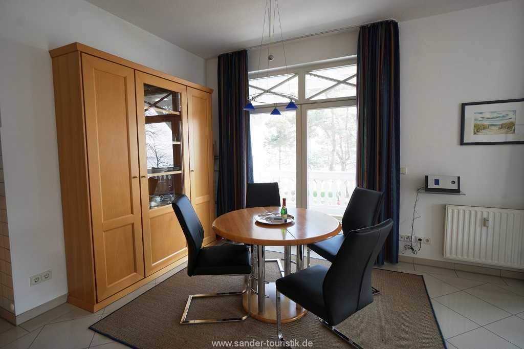 Foto der Wohnung RUG-10-036-08-villa-strandburg-binz-essecke2.JPG