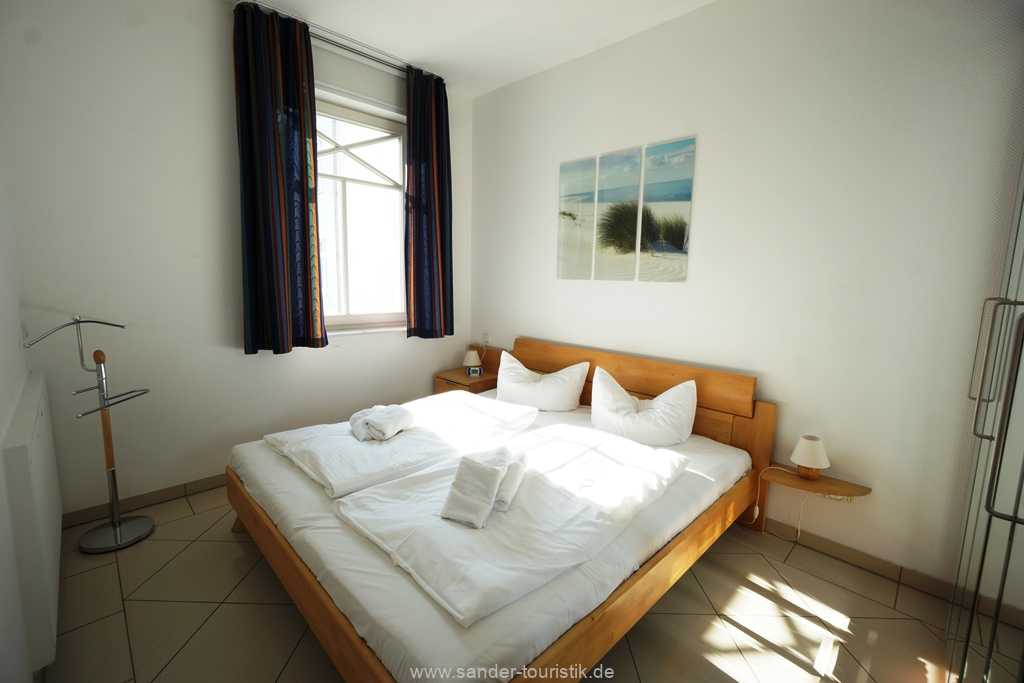 Foto der Wohnung RUG-10-036-08-villa-strandburg-binz-schlafzimmer.JPG