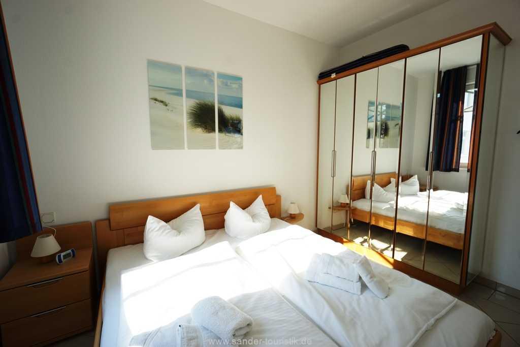 Foto der Wohnung RUG-10-036-08-villa-strandburg-binz-schlafzimmer1.JPG