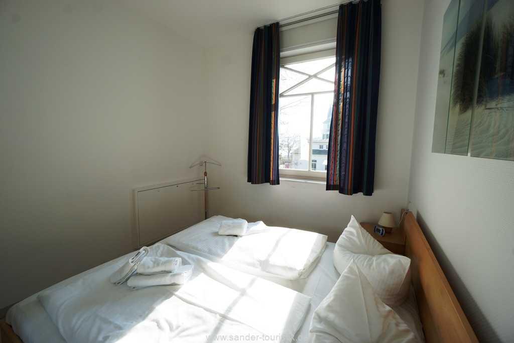 Foto der Wohnung RUG-10-036-08-villa-strandburg-binz-schlafzimmer2.JPG
