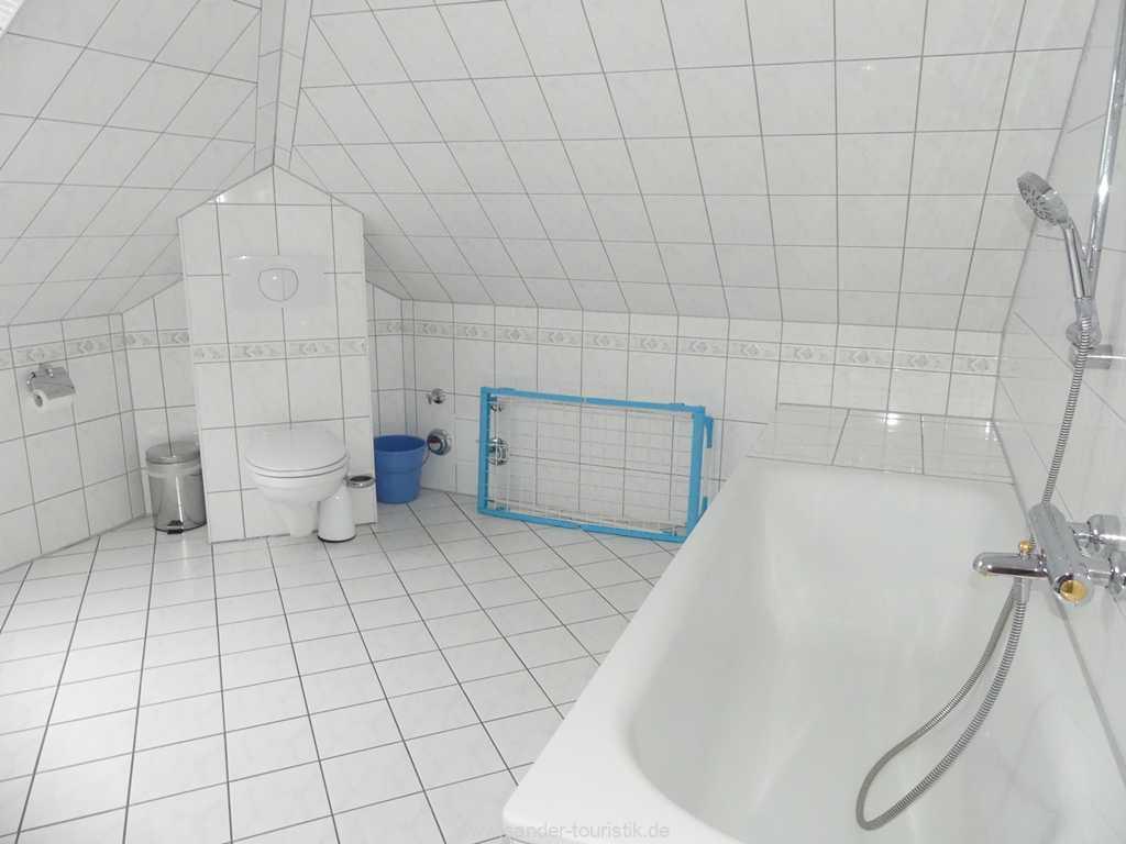 Badewanne im Badezimmer - Binz - Villa Strandburg