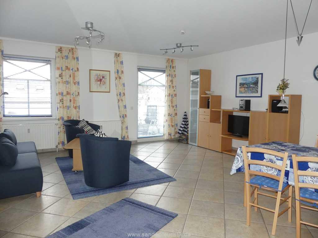 Großes, helles Wohnzimmer mit Süd-Balkon - Binz