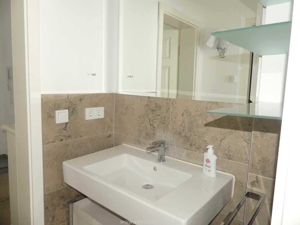 Foto der Wohnung RUG-10-044-05-villa-seeblick-badezimmer.jpg