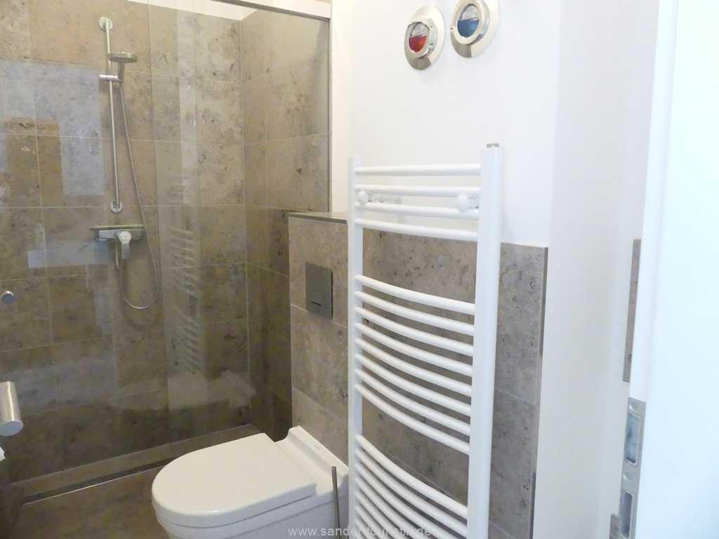 Foto der Wohnung RUG-10-044-05-villa-seeblick-badezimmer1.jpg