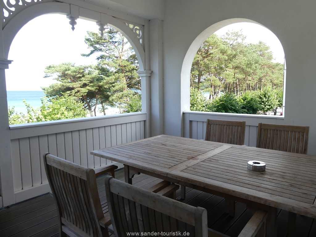 Foto der Wohnung RUG-10-044-05-villa-seeblick-balkon1.jpg