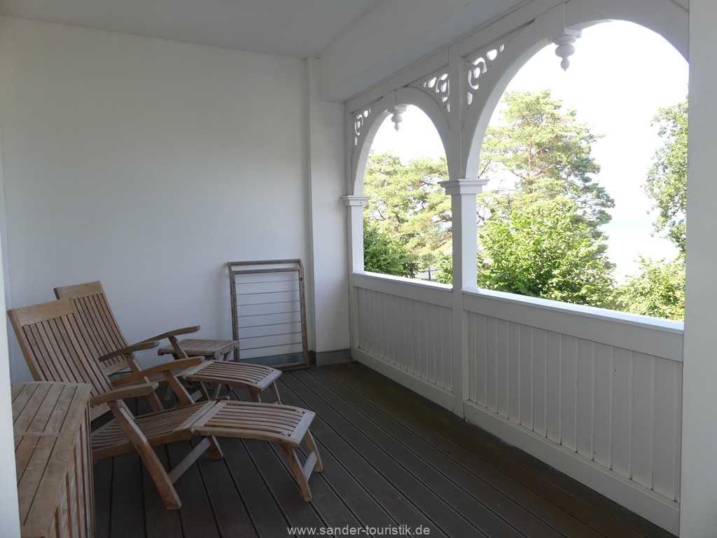 Foto der Wohnung RUG-10-044-05-villa-seeblick-balkon3.jpg