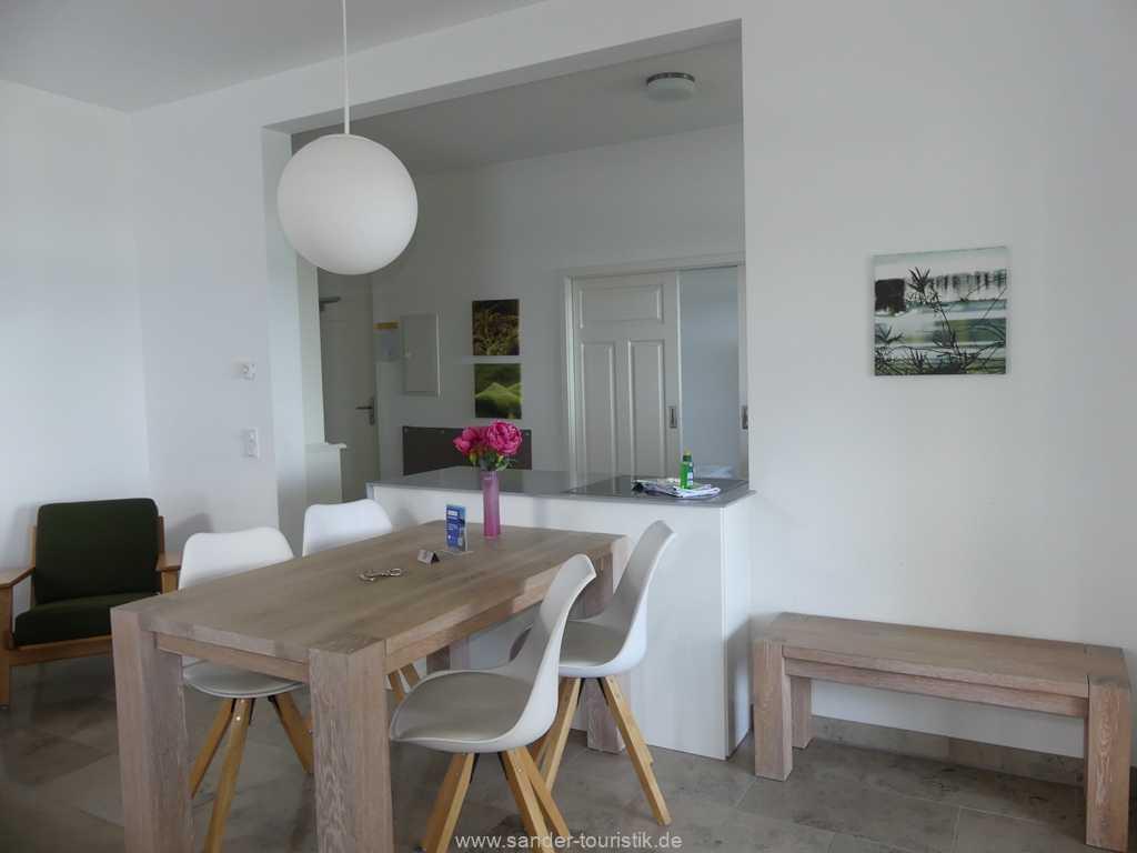Foto der Wohnung RUG-10-044-05-villa-seeblick-essbereich.jpg