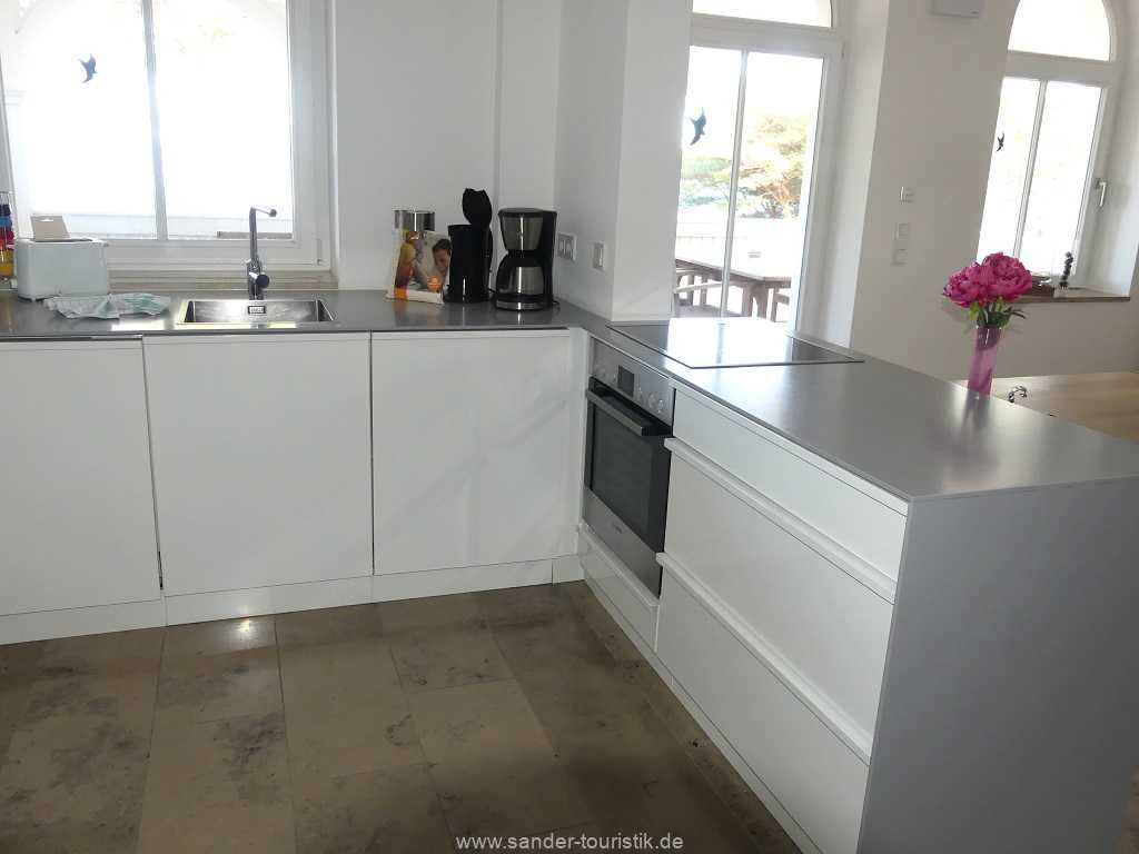 Foto der Wohnung RUG-10-044-05-villa-seeblick-kueche.jpg