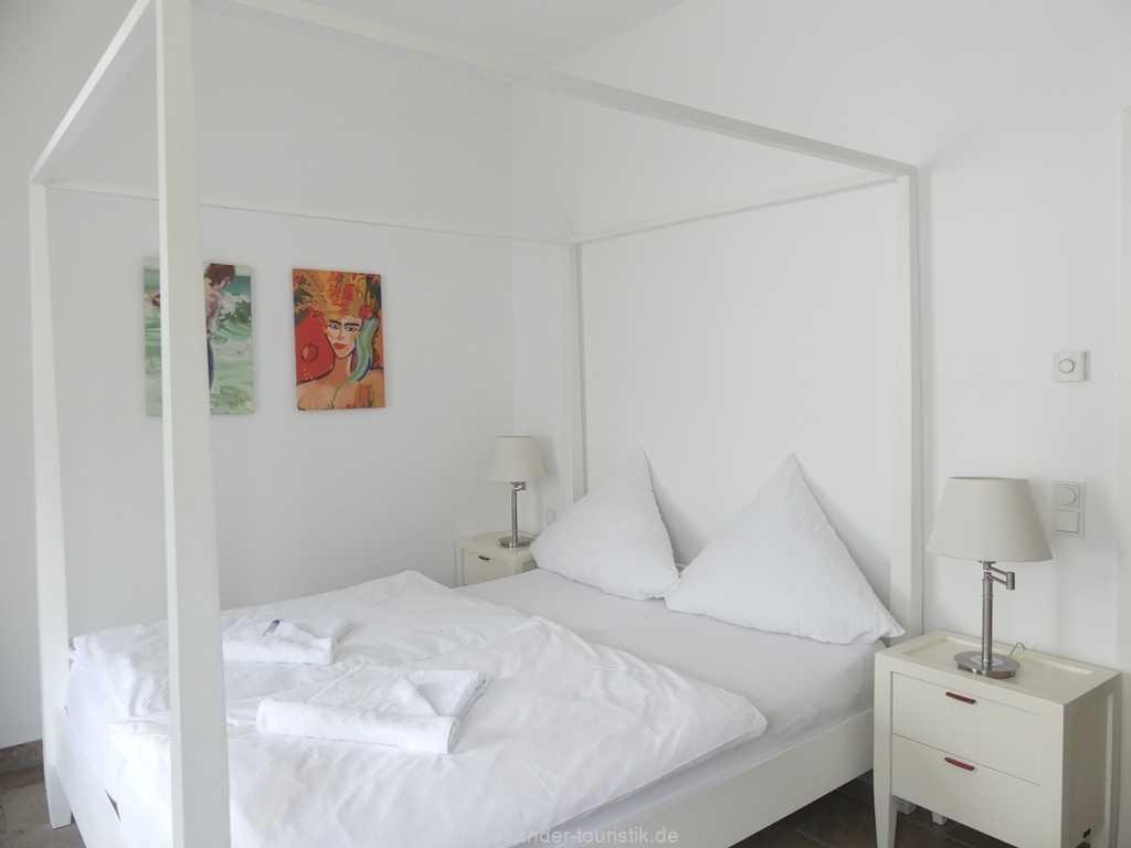 Foto der Wohnung RUG-10-044-05-villa-seeblick-schlafzimmer.jpg