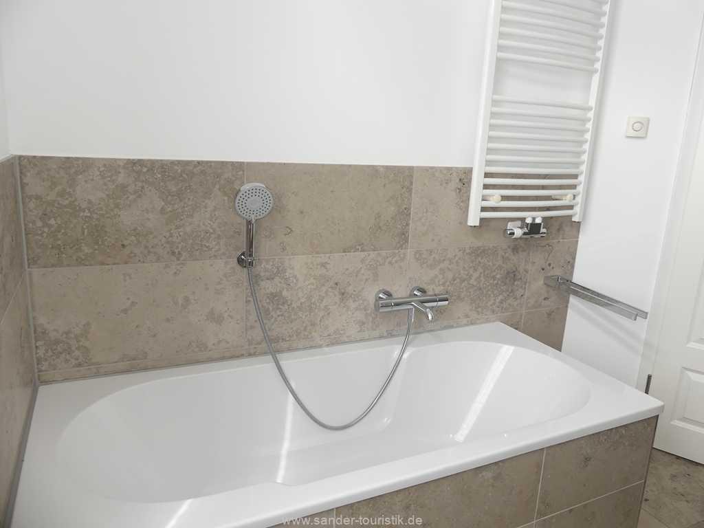 Foto der Wohnung RUG-10-044-09-villa-seeblick-badezimmer1.jpg