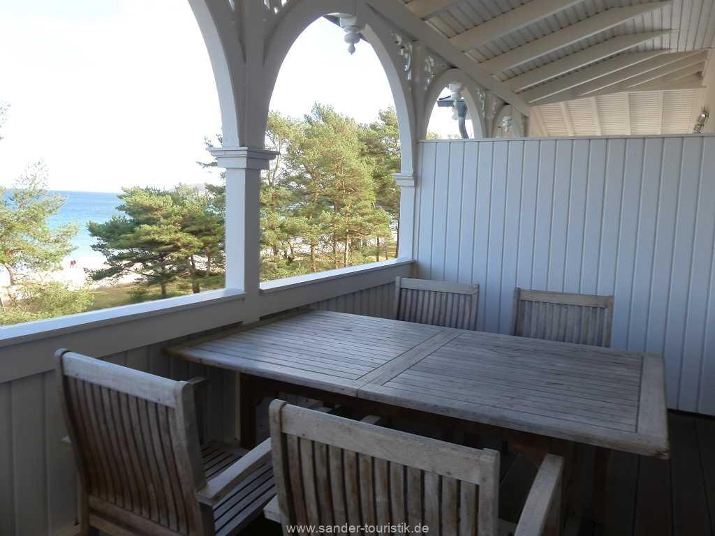 Foto der Wohnung RUG-10-044-09-villa-seeblick-balkon2.jpg