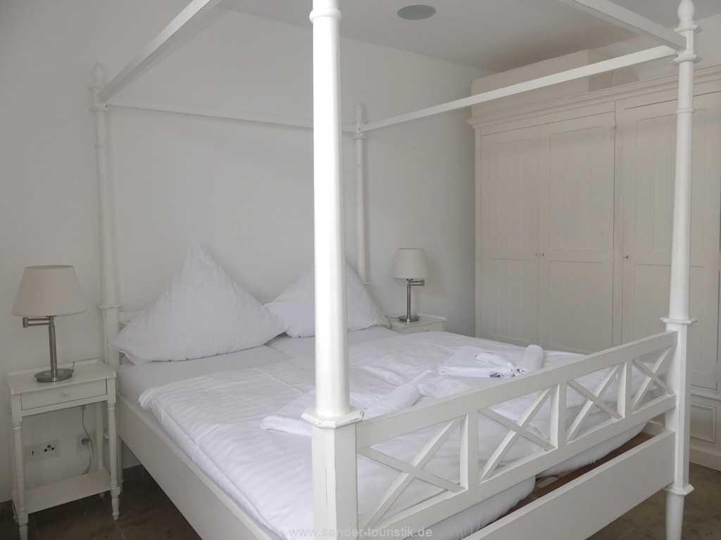 Foto der Wohnung RUG-10-044-09-villa-seeblick-schlafzimmer4.jpg