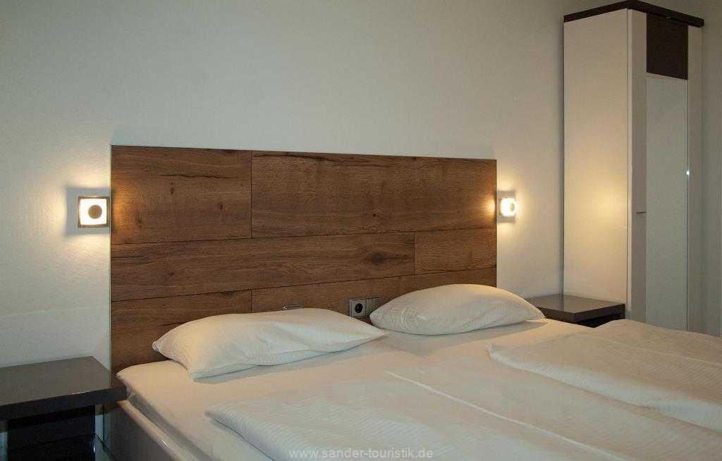 1. Schlafzimmer mit Doppelbett, Strelasund 9