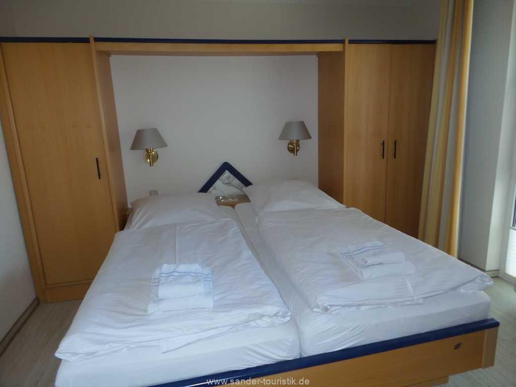 1. Schlafzimmer mit Doppelbett, Strelasund 14